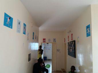 Inzwischen hat unser Team Senegal dieses Foto geschickt. Die Bilder haben nach einer langen Reise ihren Platz gefunden.
