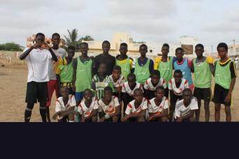 Wir haben drei Teams. Die meisten Spieler davon sind Talibés. Ich habe ihnen und Coach Bunjol oft beim Training zugeschaut. Sie spielen wirklich gut. Es ist immer wieder lustig zu sehen, wenn der FC Triengen gegen den FC Baar oder den FC Luzern spielt und dies mitten in West-Afrika!