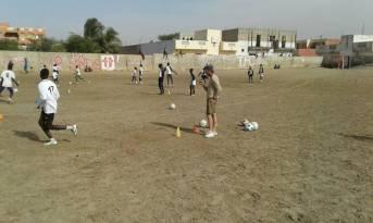 Sofian beim Training mit der Fussballmannschaft FC Coeur en Or